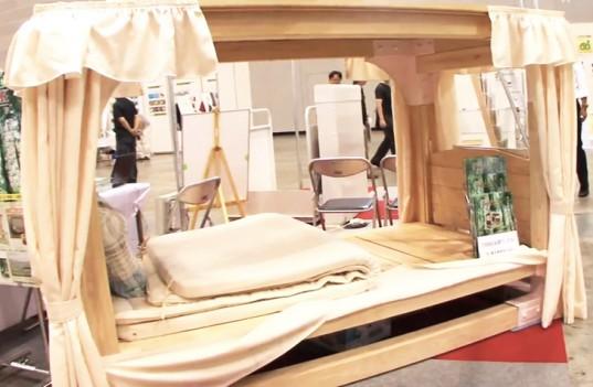 Shinko-Industries-earthquake-proof-wood-luck-bed-537x351