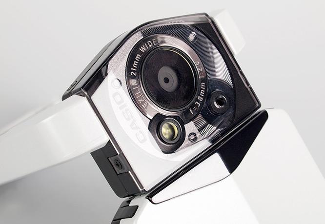 casio-exilim-tryx-tr100-close-lens-detail