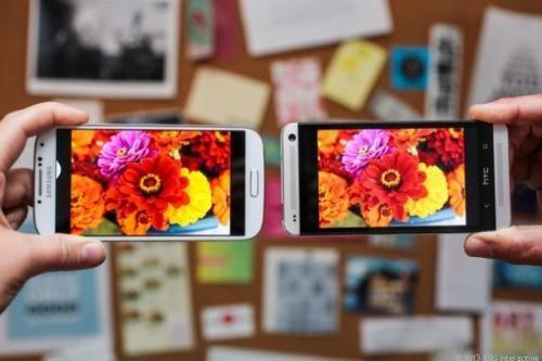GS4-vs-HTC-One