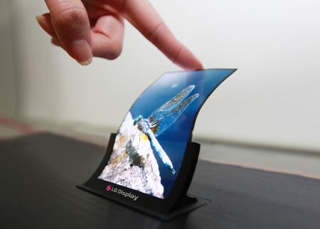 شروع تولید انبوه صفحه نمایش های منعطف ال جی از سه ماهه چهارم امسال