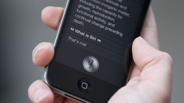 xl_iPhone_4S_launches_Siri