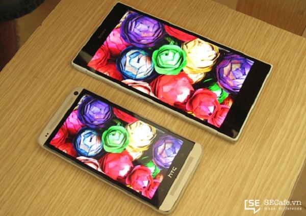 مقایسه صفحه نمایش Z Ultra و HTC One