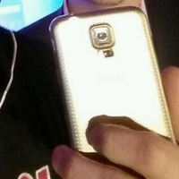 Galaxy S5 با بدنه طلا برای مدیر شرکت T-Mobile