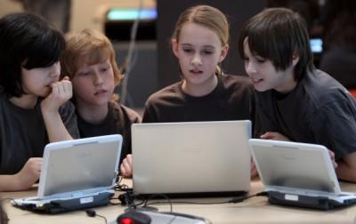 کمک 1 میلیارد دلاری مایکروسافت به مدارس برای خرید رایانه رو میزی