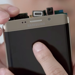See-the-innards-of-Samsungs-Galaxy-S6-edge-in-this-inboxing--unboxing-video