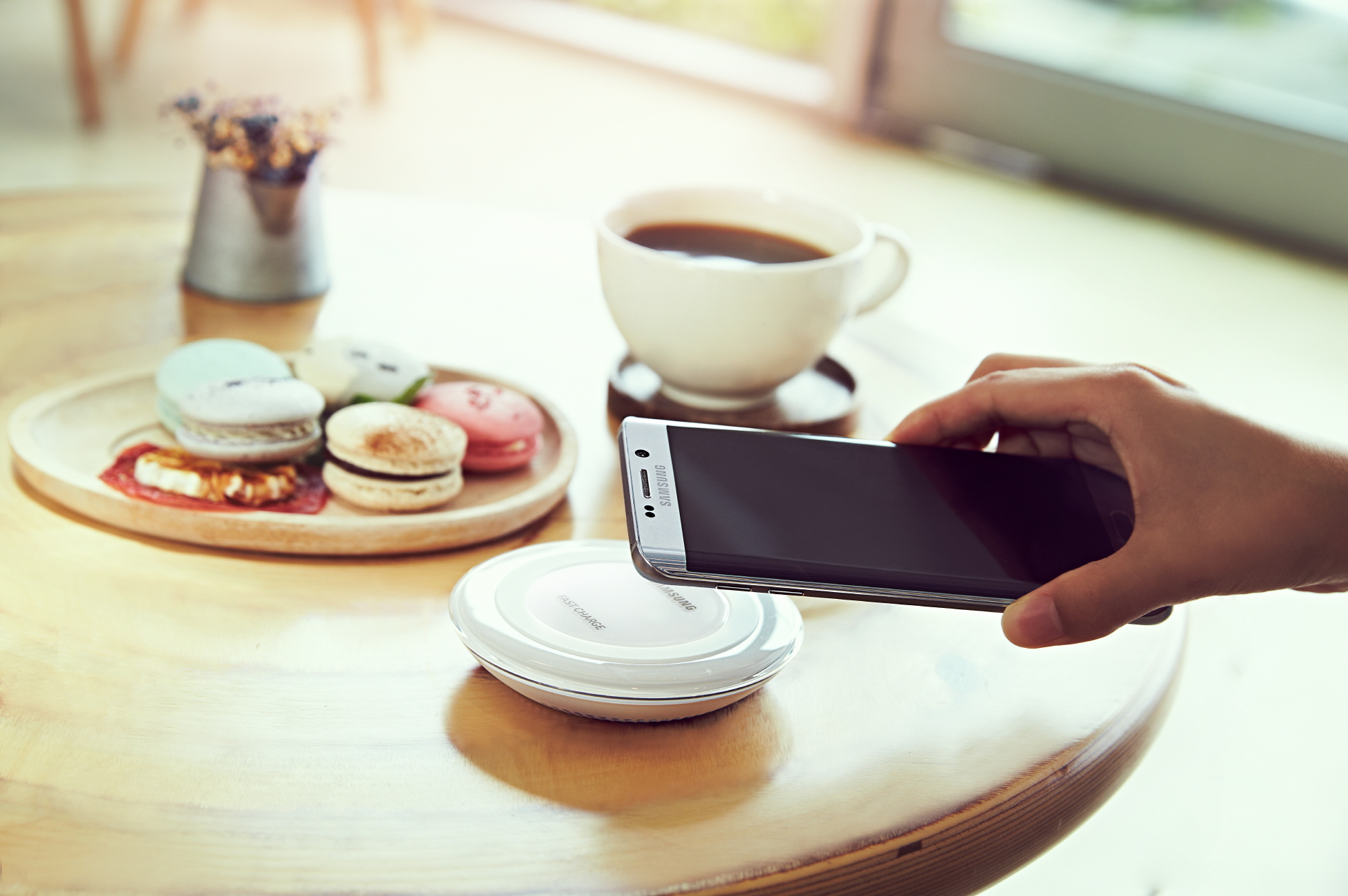 The-new-Samsung-Fast-Charge-Wireless-Charging-Pad (2)