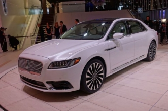 6-lincoln-continental-620x4137