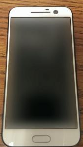 Alleged-HTC-One-M10-photos-576x1024