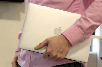 apple-macbook-pro-13-ret-2015-carry-640x0