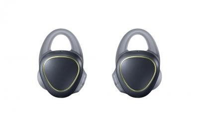 Samsungs-new-Gear-Icon-X-wireless-earbuds(18)
