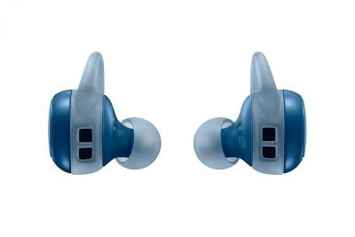 Samsungs-new-Gear-Icon-X-wireless-earbuds(22)