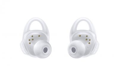Samsungs-new-Gear-Icon-X-wireless-earbuds(27)