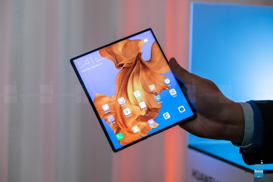 [تصویر:  Huawei-Mate-X-first-look-full-screen.jpg]
