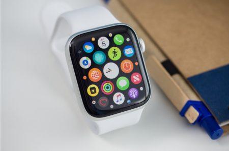 اپل با ارتقای نمایشگرها، عمر باتری ساعتهای هوشمند خود را افزایش  میدهد