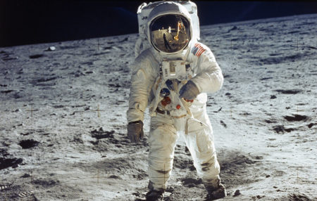 گوگل دودل سفر فضانورد آپولو ۱۱ را روایت میکند