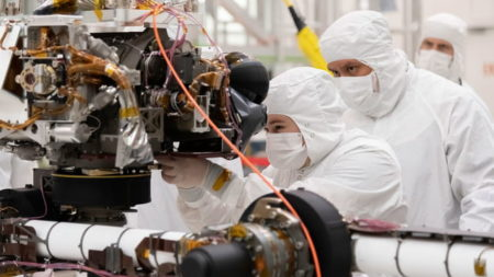 کاوشگر مریخ ۲۰۲۰ وارد آخرین سال مهندسی قبل از پرتاب میشود
