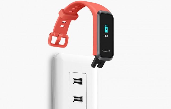 هوآوی بند 4 با صفحهنمایش رنگی و درگاه شارژ USB-A وارد بازار خواهد شد