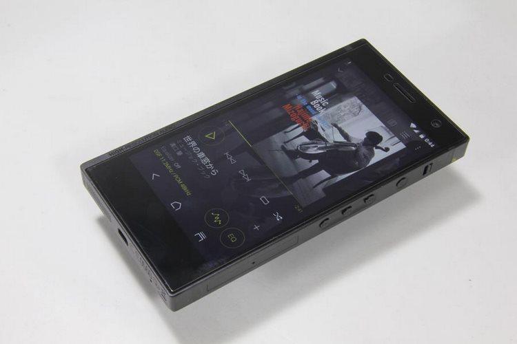 گوشی عجیب Onkyo Granbeat DP-CMX1