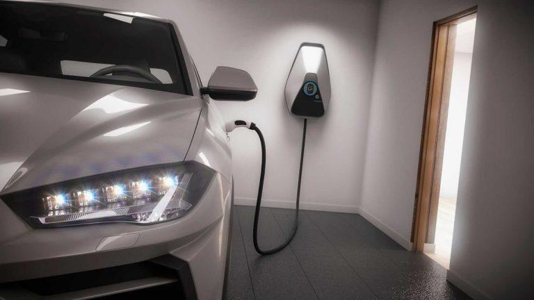 شارژ خودروی برقی