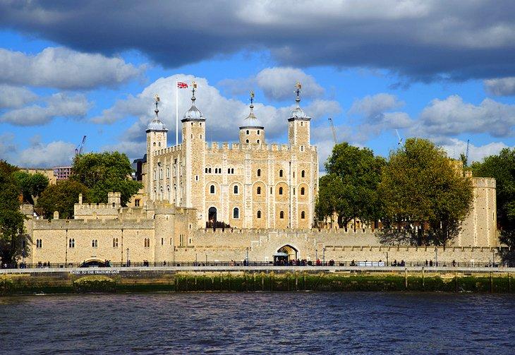 برج لندن // جاذبههای گردشگری انگلستان