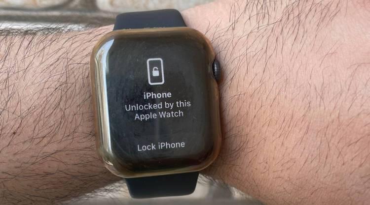 نحوهی باز کردن قفل آیفون توسط اپل واچ