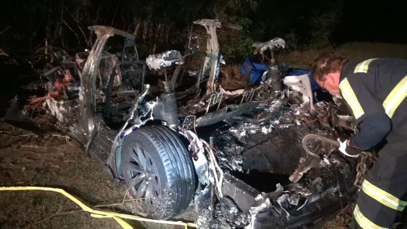 تصادف مرگبار خودروی تسلا