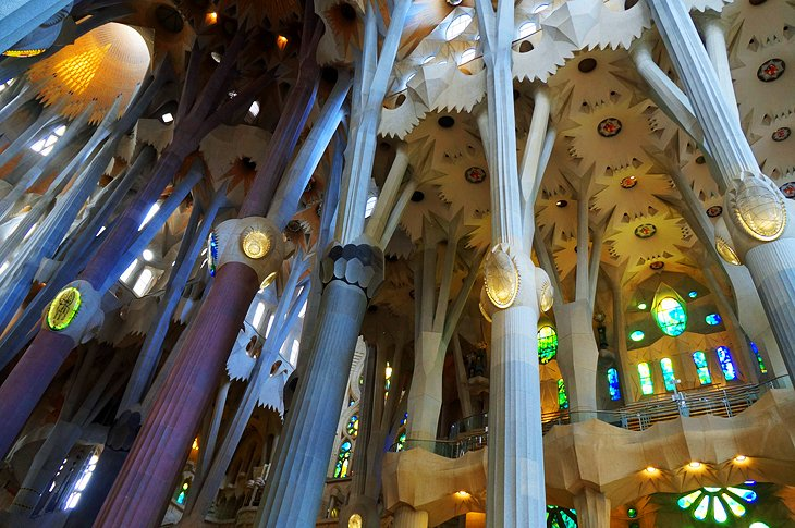کلیسای ساگرادا فامیلیا بارسلون (Barcelona's Sagrada Familia)