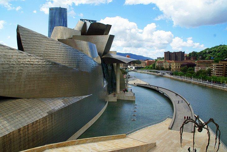 موزه گوگنهایم بیلبائو (Guggenheim Museum)