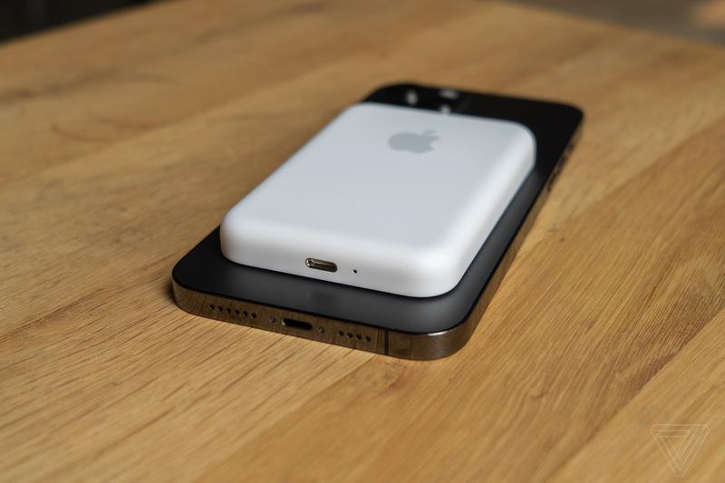پک باتری مگ سیف اپل