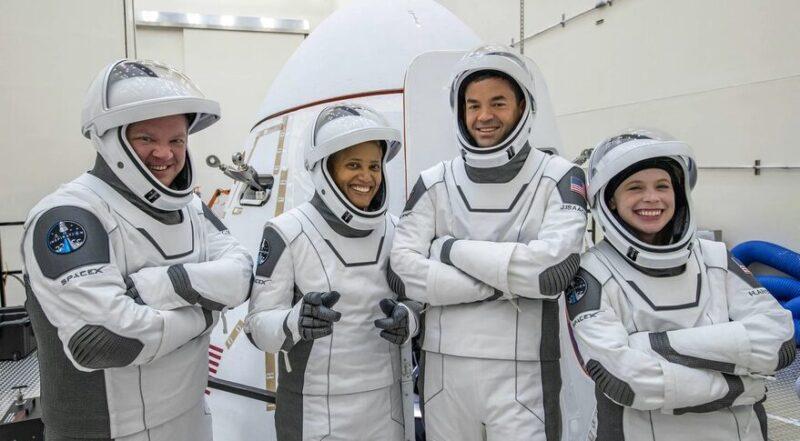 اولین سفر فضایی شهروندان عادی با راکت اسپیس ایکس